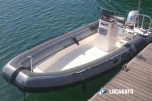 Location bateaux Marseille semi-rigide BWA PRO 220