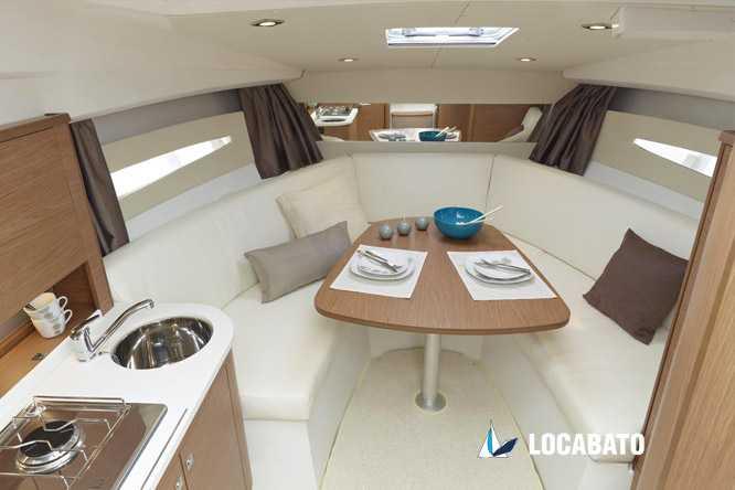 location-bateau-jeanneau-leader-8-interieur-marseille