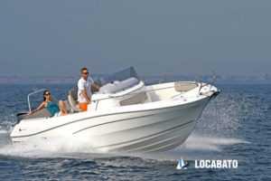 Location de bateau à marseille Cap Camarat 7.5 Open
