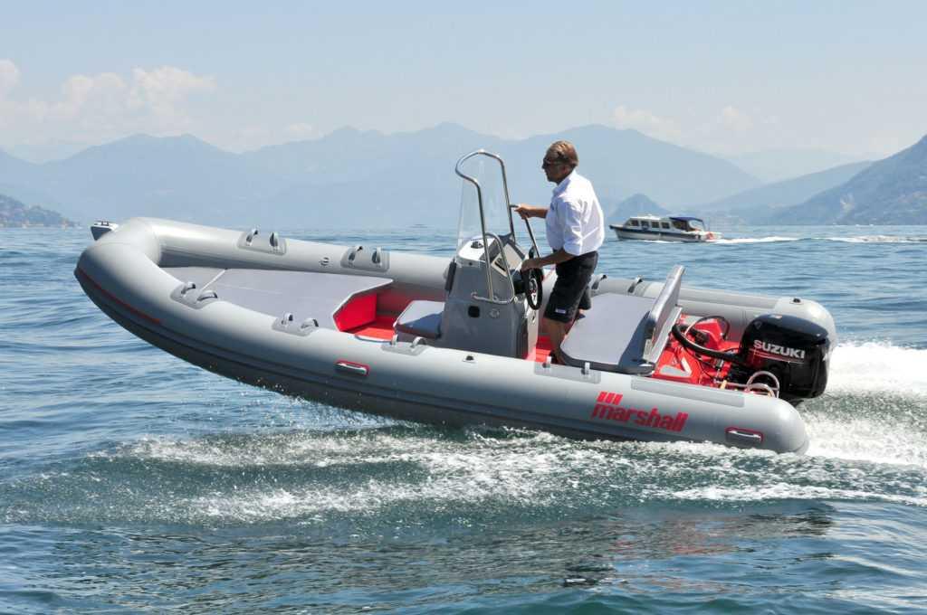 Bateau-semi-rigide-marshall-M2-Marseille-1-1024x680